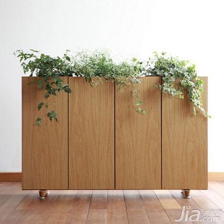 这款鞋柜非常有创意,利用墙面的空间来解决鞋子的收纳问题,这款鞋柜